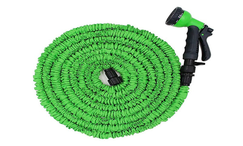 Expandable/collapsible garden hoses